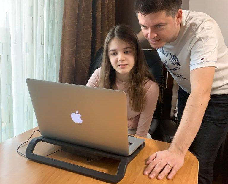 TikTok Laura si tata